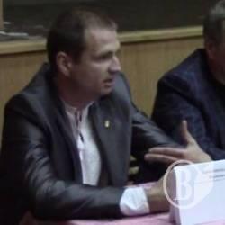 Кандидат свободівець звинуватив колег у підкупі виборців