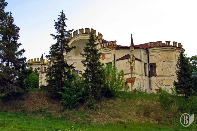 SVOBODA.FM    Стан палацу у Вишеньках дедалі більш плачевний 6bb6293b0f9a7